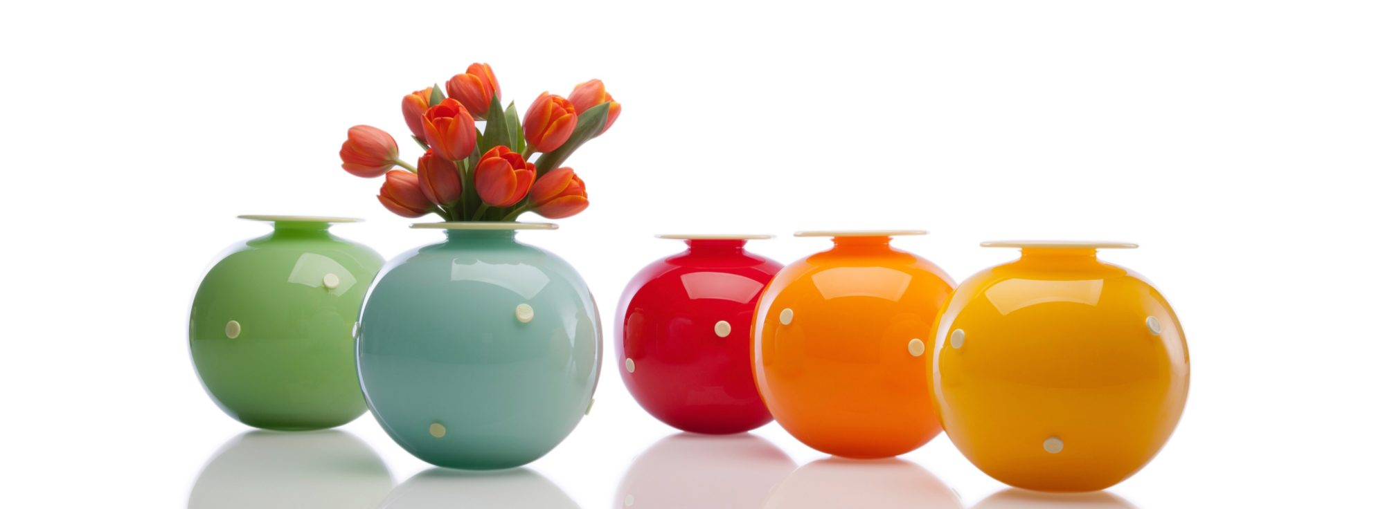 round-color-vases-two-tone studios